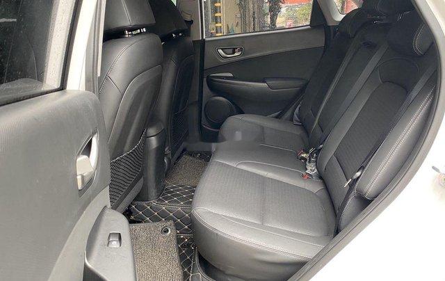 Cần bán gấp Hyundai Kona sản xuất năm 2019, 695 triệu9