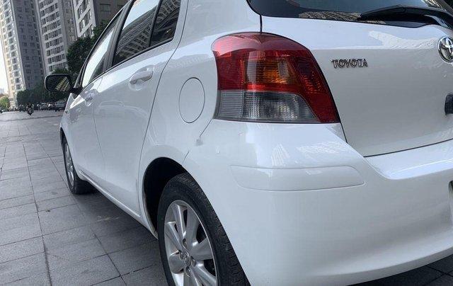 Bán Toyota Yaris sản xuất 2010, màu trắng, nhập khẩu còn mới, giá tốt4