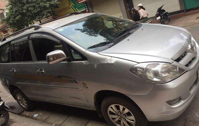 Cần bán Toyota Innova 2007, màu bạc chính chủ, 172 triệu0