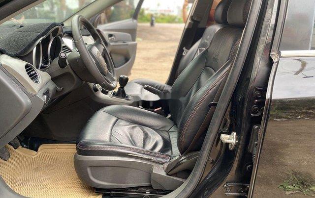 Bán xe Chevrolet Cruze đời 2010, màu đen chính chủ, giá tốt9