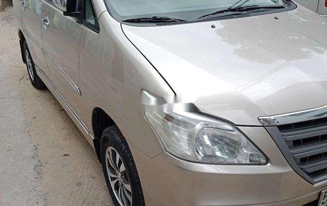 Bán xe Toyota Innova sản xuất năm 2014, giá 365tr0