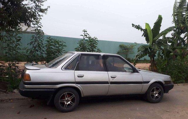 Cần bán xe Toyota Corona sản xuất năm 1985, nhập khẩu, giá 39tr3