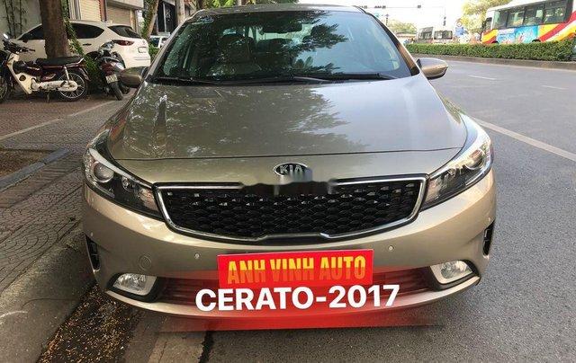 Cần bán lại xe Kia Cerato sản xuất 2017, full option0