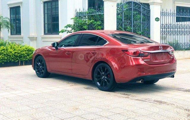 Cần bán gấp chiếc Mazda6 2.5 sản xuất 2014 màu đỏ cực đẹp5