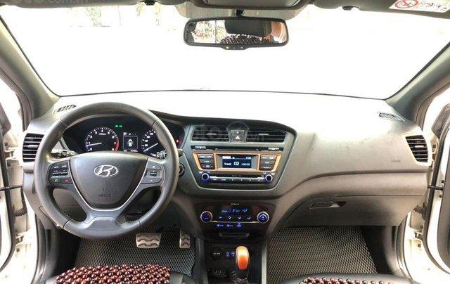 Cần bán nhanh với giá thấp chiếc Hyundai i20 Active, sản xuất năm 20155