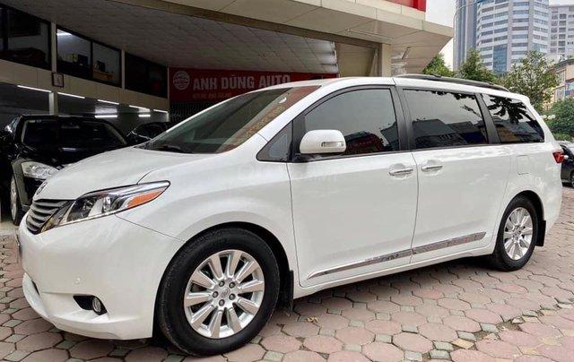 Bán xe Toyota Sienna Limited sản xuất 2013, màu trắng0