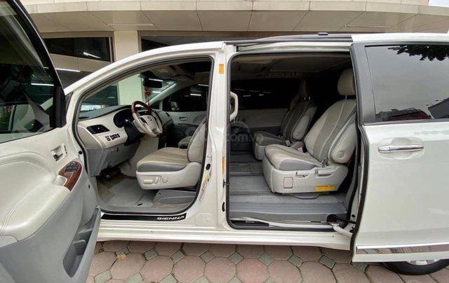 Bán xe Toyota Sienna Limited sản xuất 2013, màu trắng2
