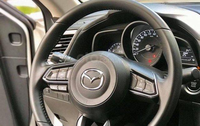 Cần bán nhanh với giá thấp chiếc Mazda 3 sản xuất 2017 Bản FL4