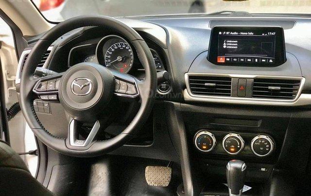 Cần bán nhanh với giá thấp chiếc Mazda 3 sản xuất 2017 Bản FL3