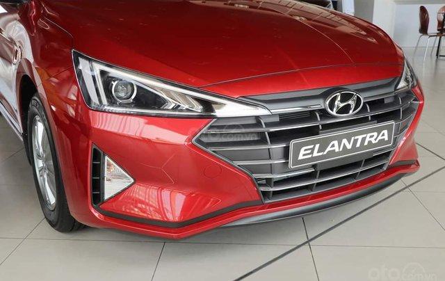Elantra 2.0 AT giao ngay màu đỏ, trắng, đen - gói pk hấp dẫn, trả trước 190tr nhận xe2