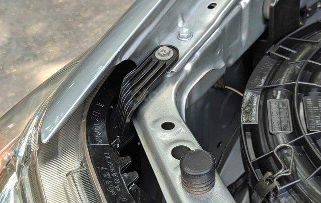 Cần bán nhanh chiếc Toyota Fortuner sản xuất 2014 giá ưu đãi6