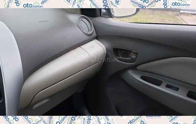 Cần bán Toyota Vios sản xuất năm 2011, màu đen1