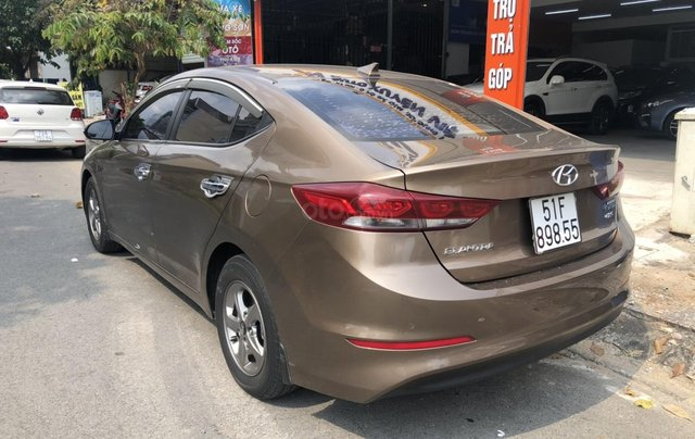 Bán con xe Hyundai Elantra MT 2017 giá đẹp xe ngon chỉ có tại oto.com.vn3