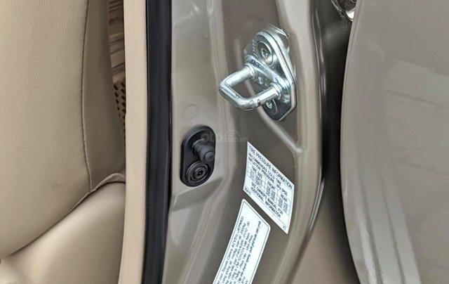 Chính chủ cần bán nhanh chiếc Toyota Camry 2.5Q sx 2013 xe còn mới5