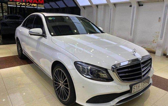 Cần bán Mercedes Benz C200 Exclusive model 2020, màu trắng0