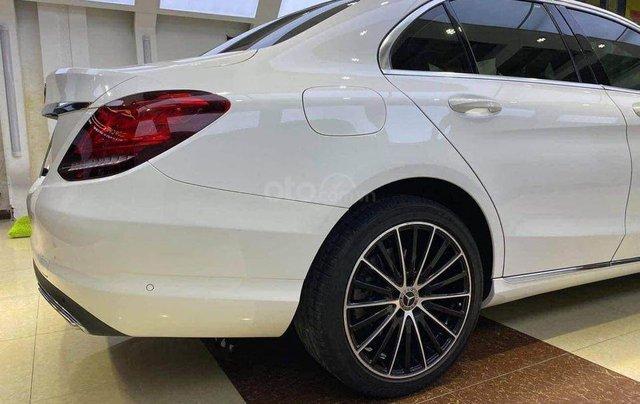 Cần bán Mercedes Benz C200 Exclusive model 2020, màu trắng2