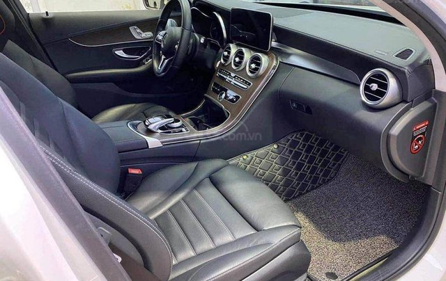 Cần bán Mercedes Benz C200 Exclusive model 2020, màu trắng5