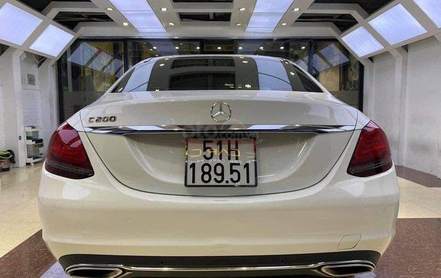 Cần bán Mercedes Benz C200 Exclusive model 2020, màu trắng4