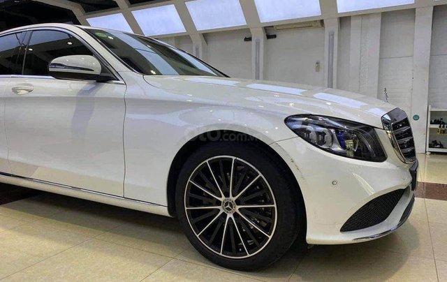 Cần bán Mercedes Benz C200 Exclusive model 2020, màu trắng7