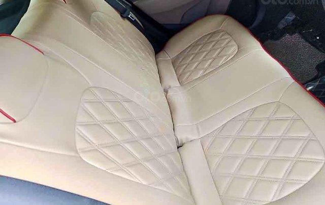 Cần bán lại xe Hyundai Grand i10 sản xuất năm 2014, màu bạc, nhập khẩu 3