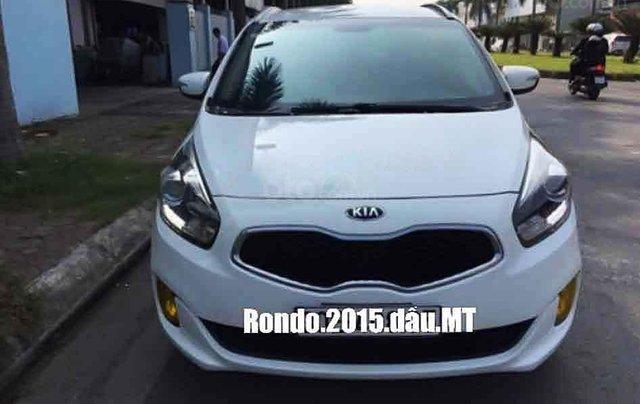 Cần bán Kia Rondo 2015, màu trắng chính chủ, giá chỉ 463 triệu0