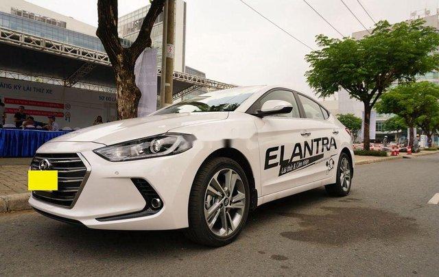 Bán ô tô Hyundai Elantra sản xuất 2017 còn mới4