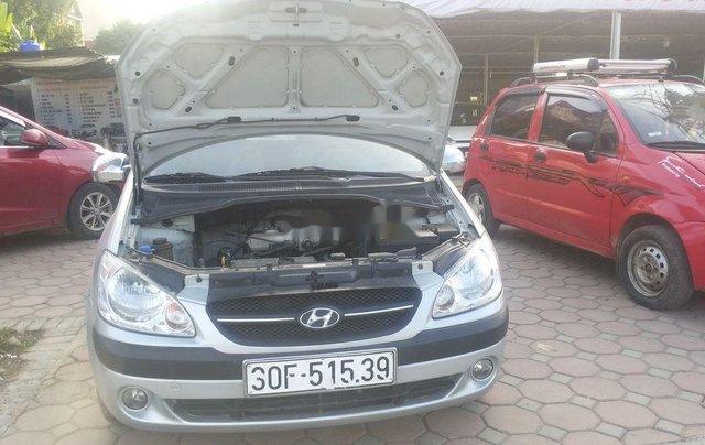 Xe Hyundai Getz đời 2010, màu bạc còn mới0