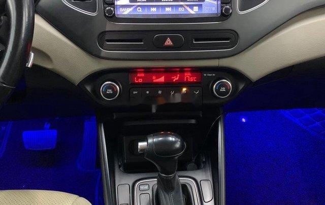Cần bán gấp Kia Rondo năm sản xuất 2016 còn mới giá cạnh tranh8
