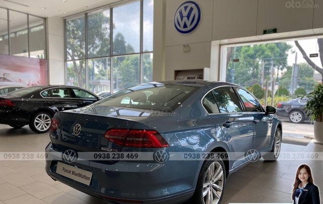 Volkswagen Passat Bluemotion màu xanh dương hiếm có - Giảm 12% - Giao xe ngay4