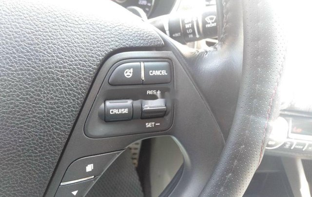 Bán Kia K3 sản xuất 2016, xe còn mới8