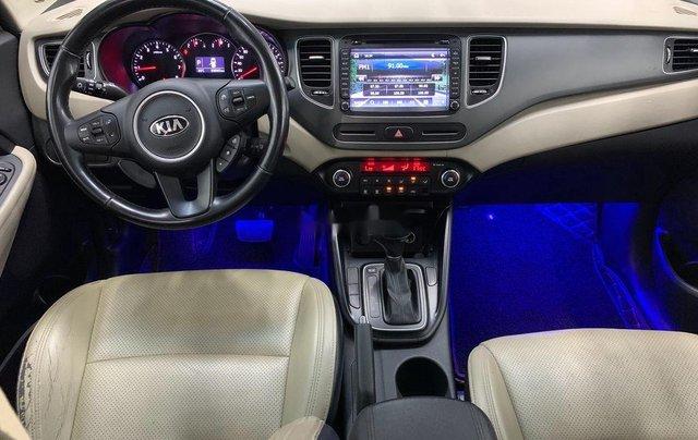 Cần bán gấp Kia Rondo năm sản xuất 2016 còn mới giá cạnh tranh6