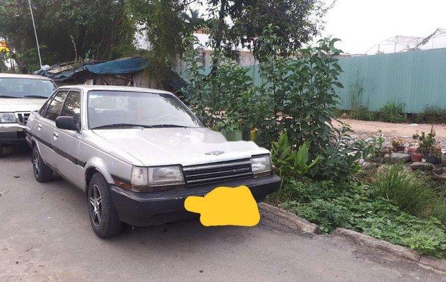 Cần bán xe Toyota Corona sản xuất năm 1985, nhập khẩu, giá 39tr2