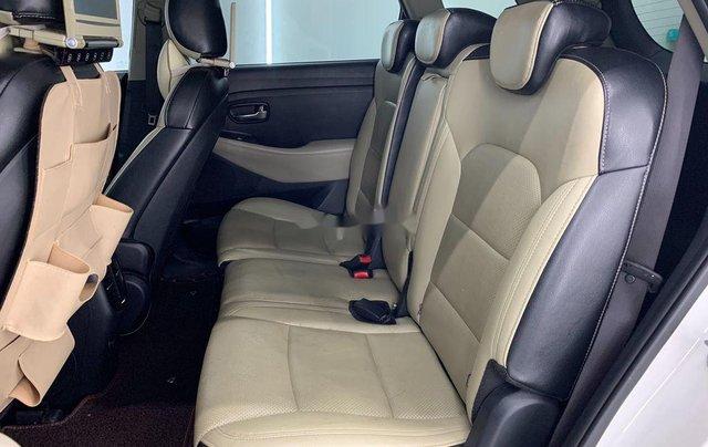 Cần bán gấp Kia Rondo năm sản xuất 2016 còn mới giá cạnh tranh7