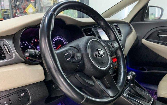 Cần bán gấp Kia Rondo năm sản xuất 2016 còn mới giá cạnh tranh11