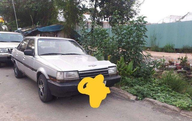 Cần bán xe Toyota Corona sản xuất năm 1985, nhập khẩu, giá 39tr0