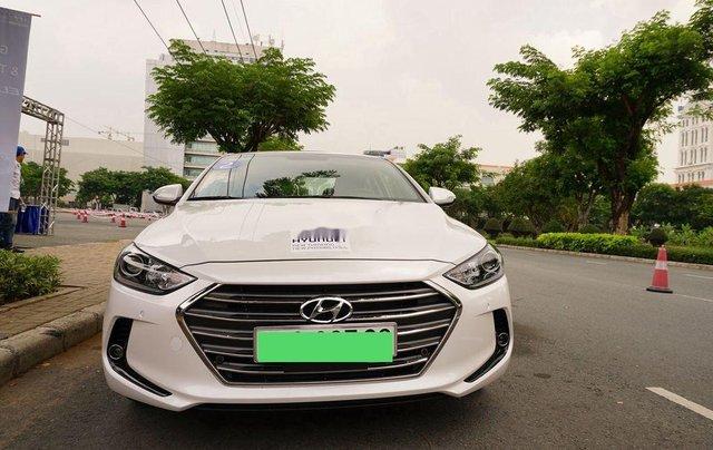 Bán ô tô Hyundai Elantra sản xuất 2017 còn mới3