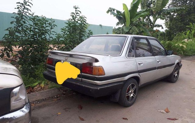 Cần bán xe Toyota Corona sản xuất năm 1985, nhập khẩu, giá 39tr1