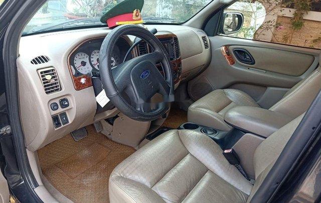 Bán Ford Escape sản xuất năm 2002, màu đen còn mới8