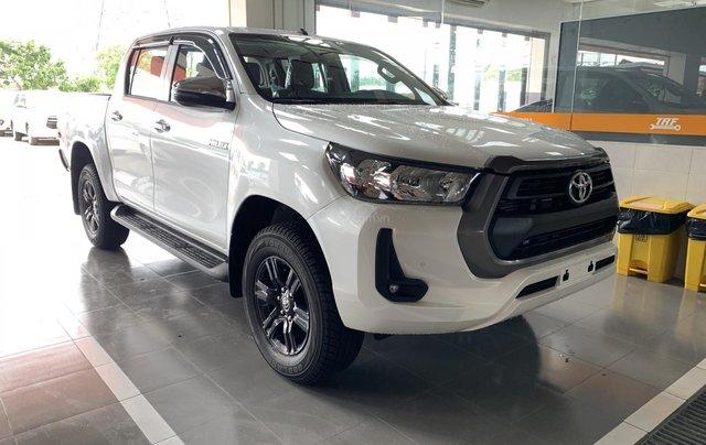 Toyota Hilux 2.4 AT 4X2, bán tải 1 cầu - giao ngay- giá tốt nhất thị trường0