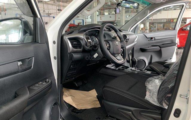 Toyota Hilux 2.4 AT 4X2, bán tải 1 cầu - giao ngay- giá tốt nhất thị trường5