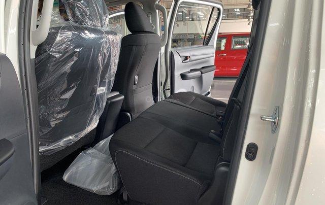 Toyota Hilux 2.4 AT 4X2, bán tải 1 cầu - giao ngay- giá tốt nhất thị trường6