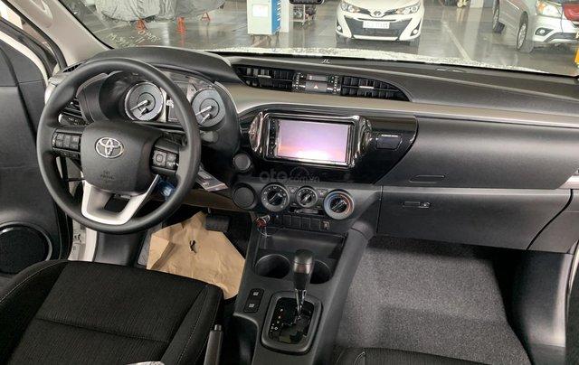 Toyota Hilux 2.4 AT 4X2, bán tải 1 cầu - giao ngay- giá tốt nhất thị trường9