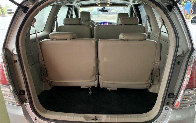 Cần bán gấp Toyota Innova sản xuất 2009 còn mới6