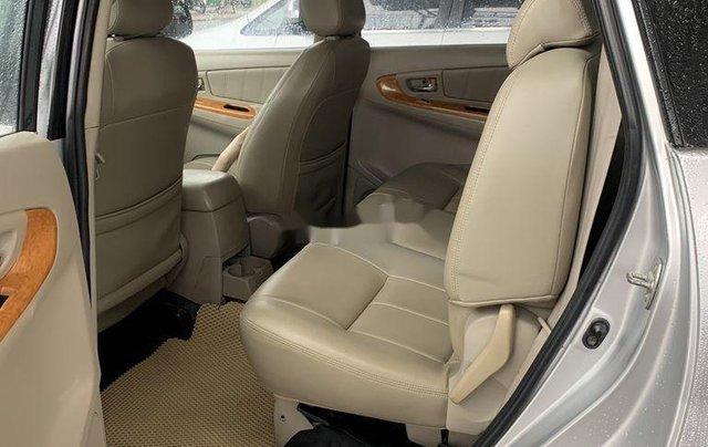 Cần bán gấp Toyota Innova sản xuất 2009 còn mới8