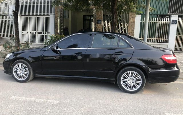 Bán xe Mercedes E class sản xuất năm 2010 còn mới, giá chỉ 680 triệu0