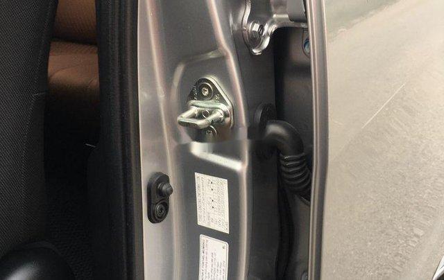Xe Toyota Innova sản xuất 2018 còn mới, giá 595tr9