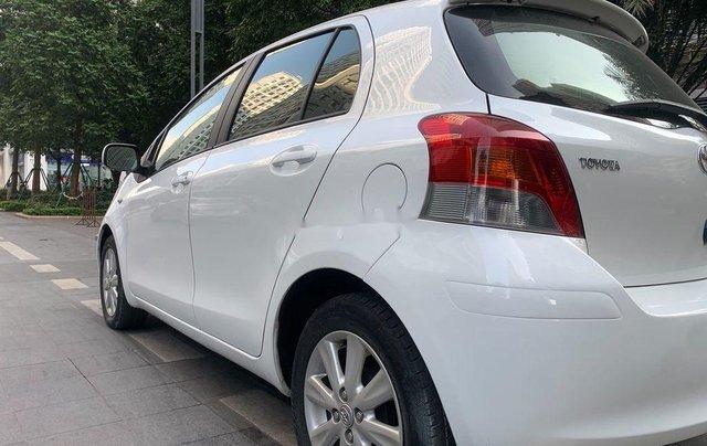 Cần bán xe Toyota Yaris đời 2010, màu trắng, xe nhập, 328tr4