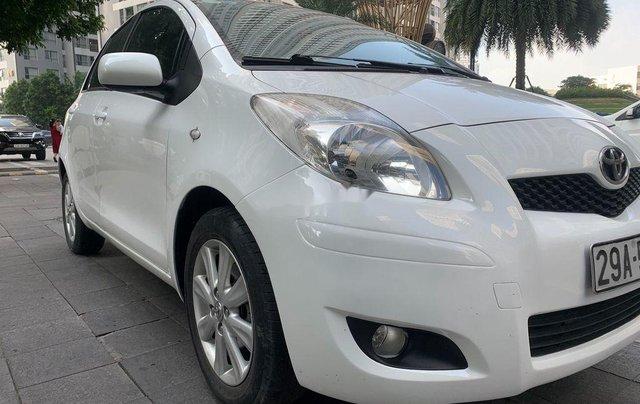 Cần bán xe Toyota Yaris đời 2010, màu trắng, xe nhập, 328tr2