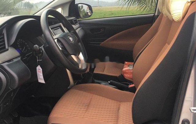 Xe Toyota Innova sản xuất 2018 còn mới, giá 595tr6