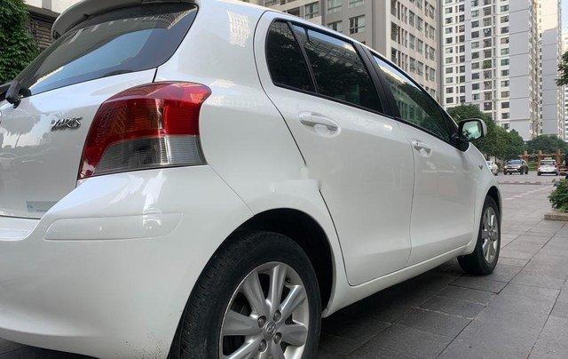 Cần bán xe Toyota Yaris đời 2010, màu trắng, xe nhập, 328tr5